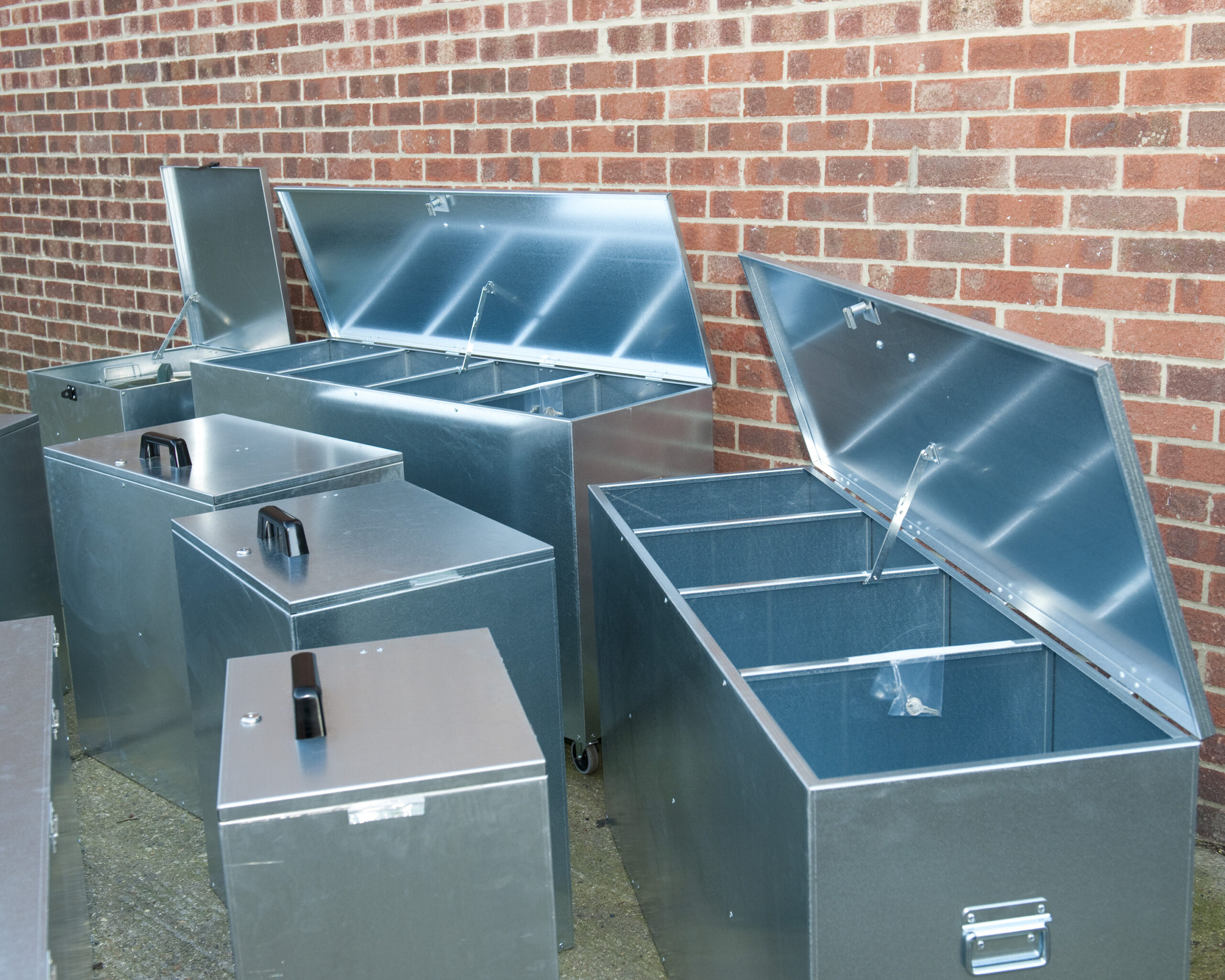 Compartment Feed Bins
